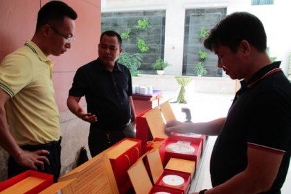 Mua yến sào Việt Nam, thương lái Trung Quốc bán lại với giá gấp 10 lần